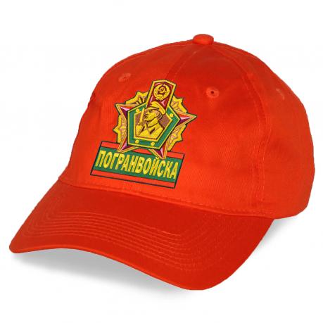 Яркая кепка Погранвойска.