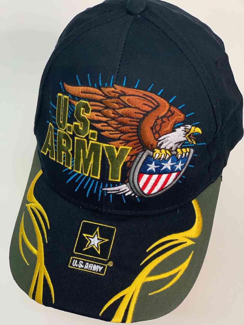 Яркая кепка с символикой армии США