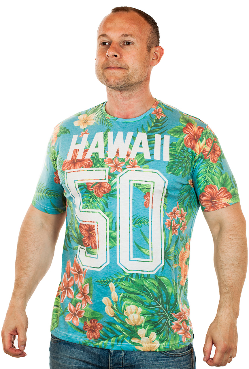 Гавайская мужская футболка с ярким принтом
