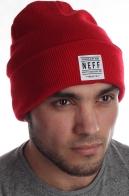 Яркая мужская шапка спортивного типа от Neff