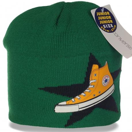Яркая оригинальная молодежная шапка от Junior