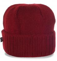 Яркая спортивная шапка для прохладной погоды