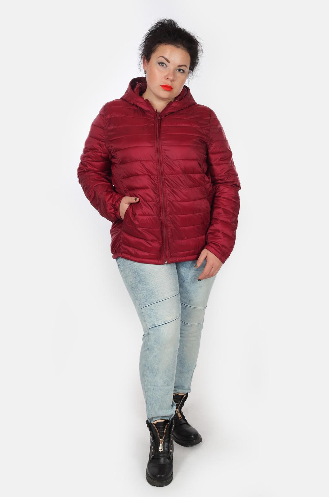 Бордовая куртка с утеплителем