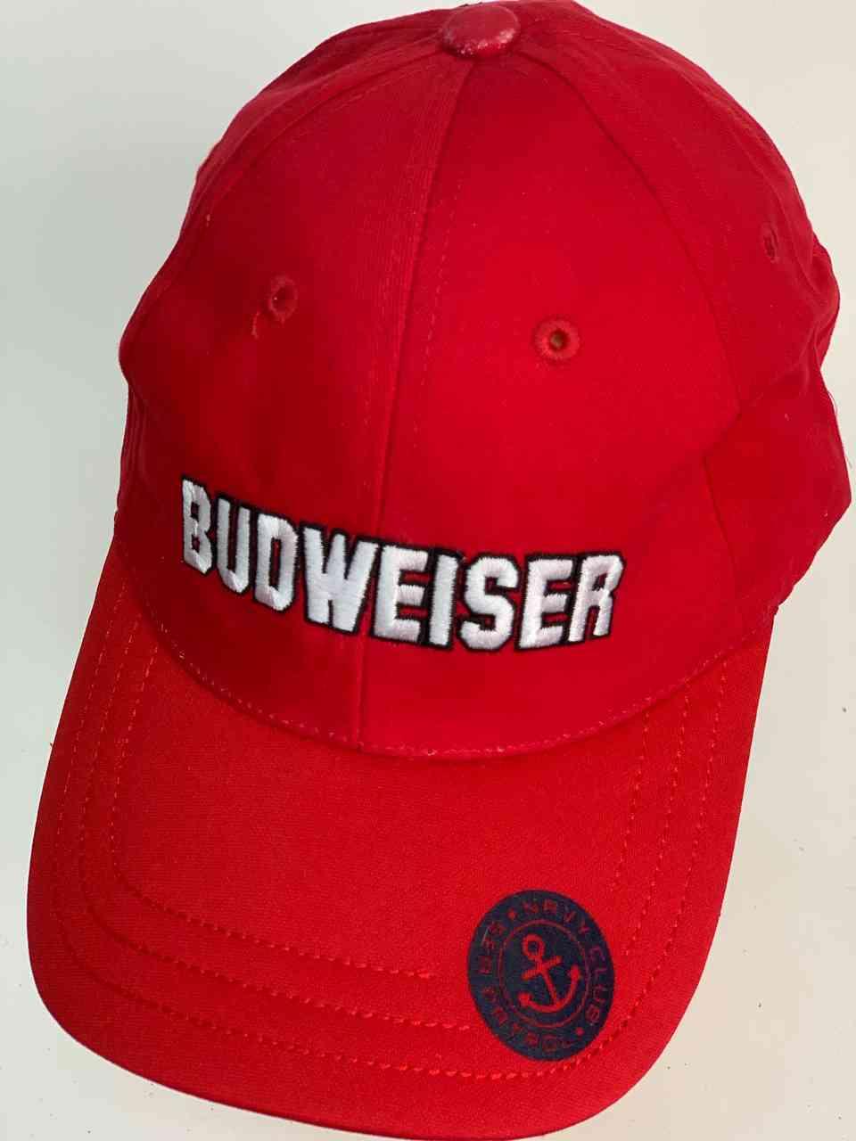 Ярко красная бейсболка BUDWEISER