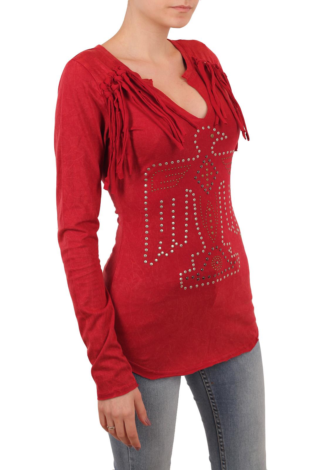 Ярко-красная туника Panhandle Slim в лучших традициях Рустик-Стиль. Эффектная имитация эполет и символичная аппликация