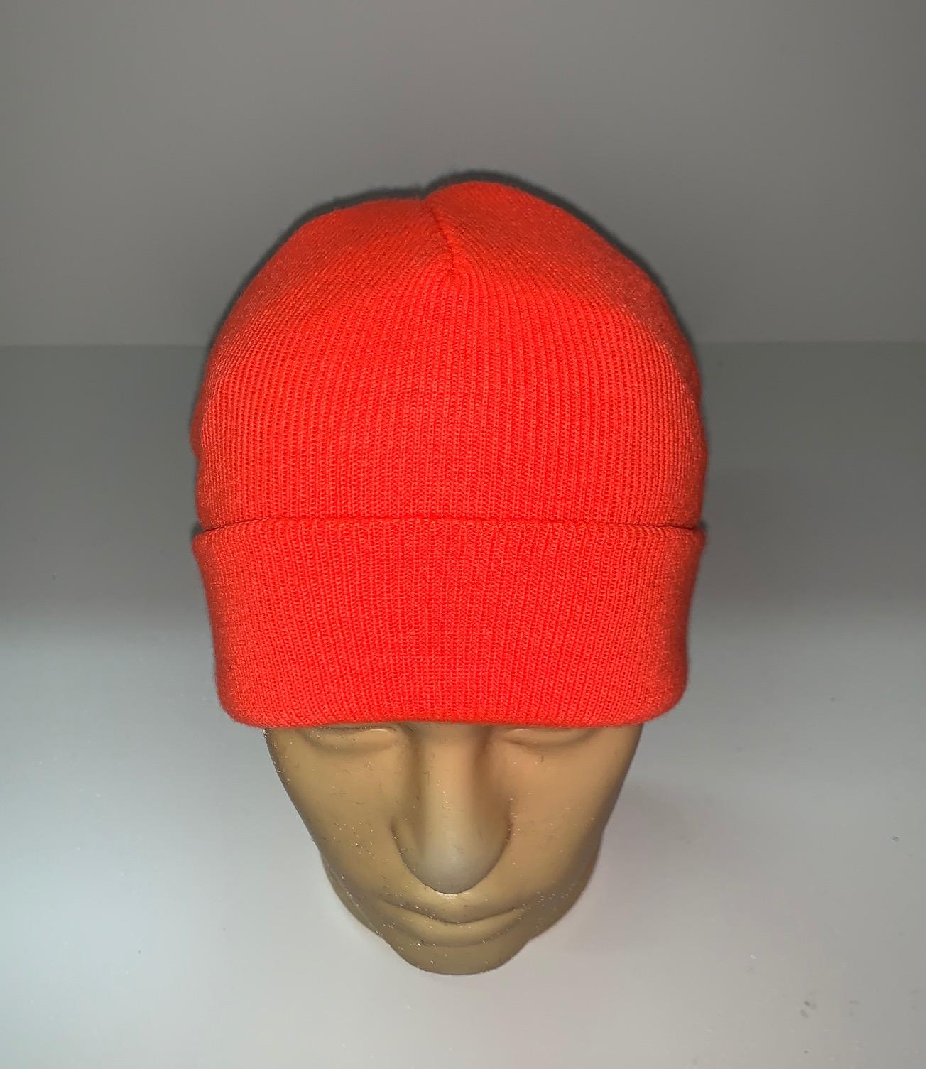 Ярко-оранжевая шапка