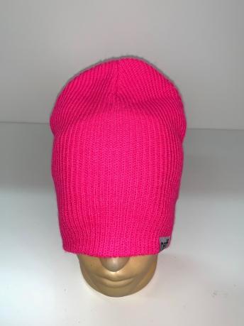 Ярко-розовая стильная шапка