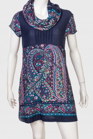 Яркое платье с воротником хомутом от Le Grahier