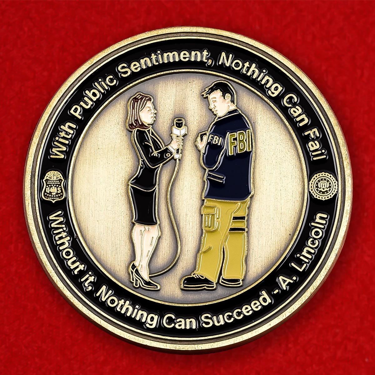 """Юбилейная монета США """"100 лет пресс-центру ФБР"""""""