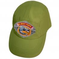 Зеленая кепка рыбака