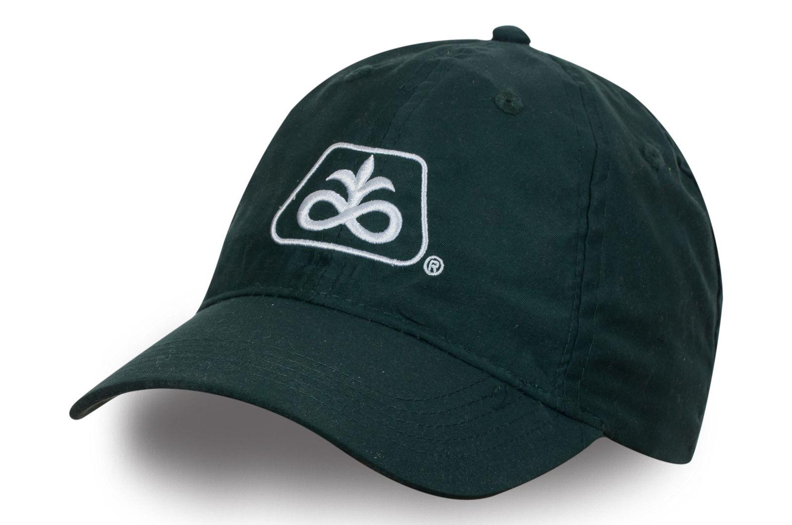 Зелёная кепка с логотипом