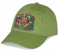 Зеленая пограничная бейсболка с тематическим фото принтом.