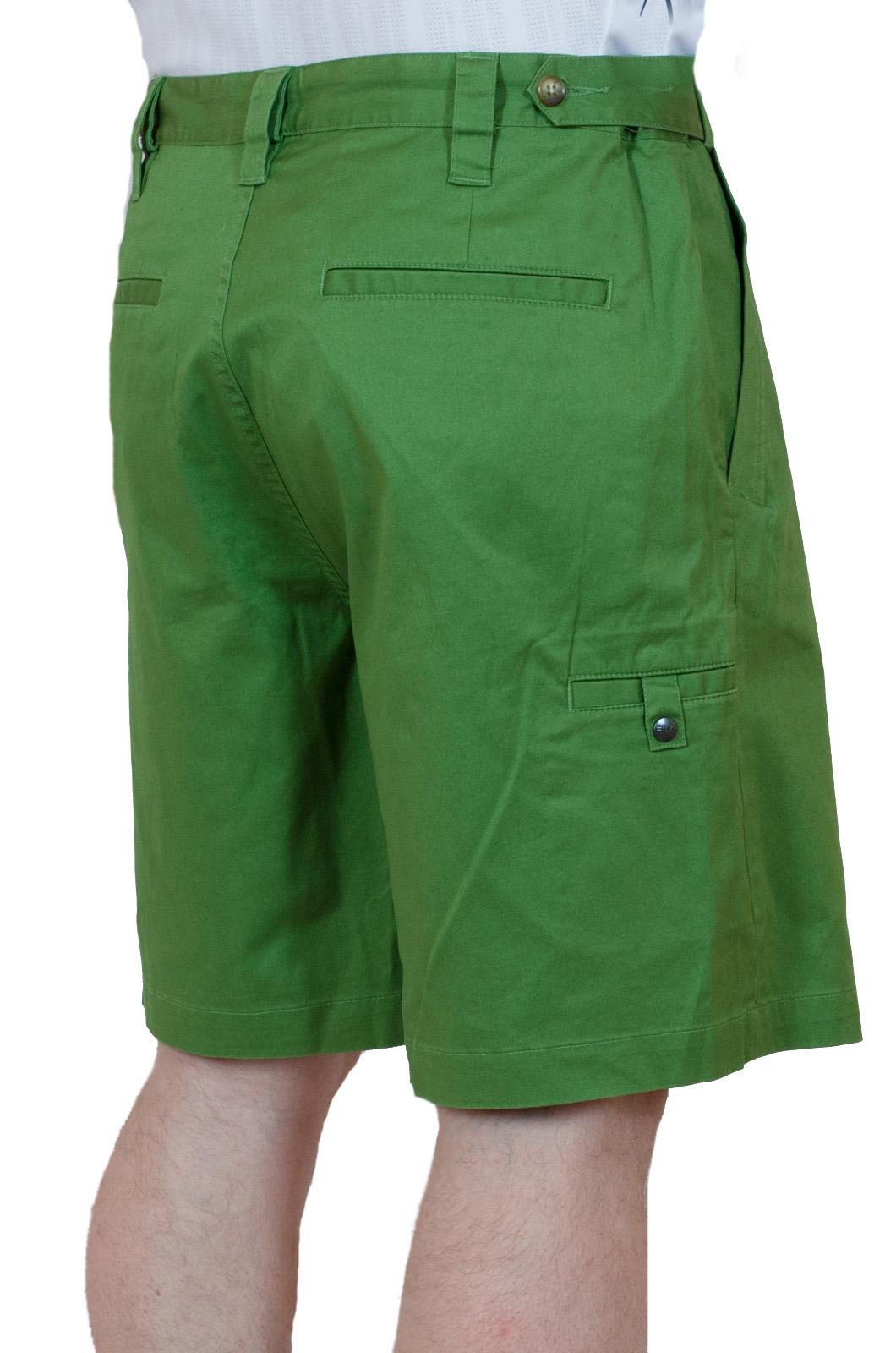 Хлопчатобумажные зеленые мужские шорты - вид сзади