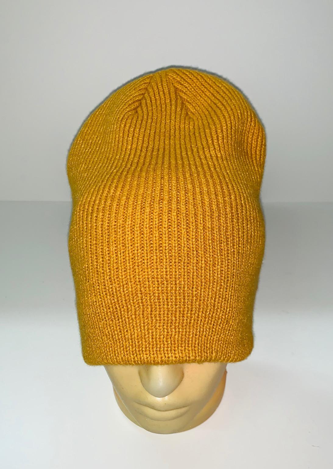 Желтая эксклюзивная шапка
