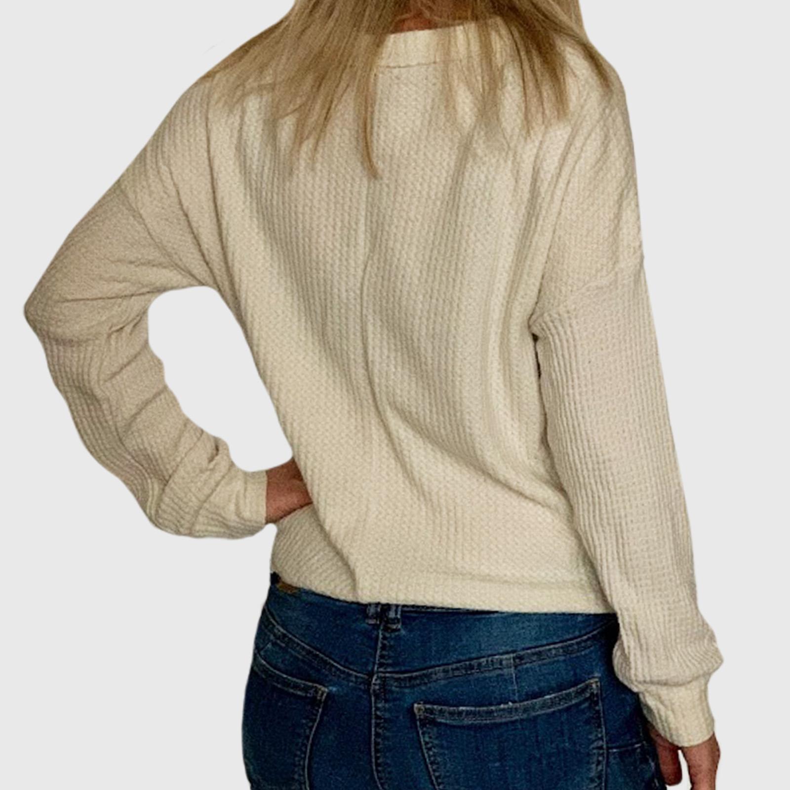Купить стильный женский свитер по специальной цене