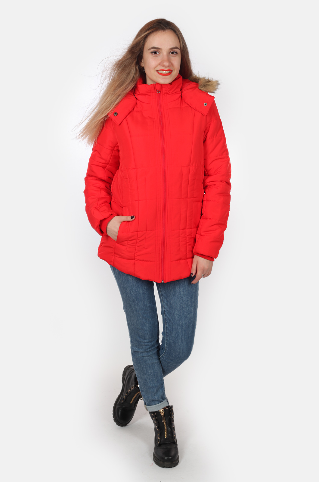 Ярко-красная утепленная куртка для девушек