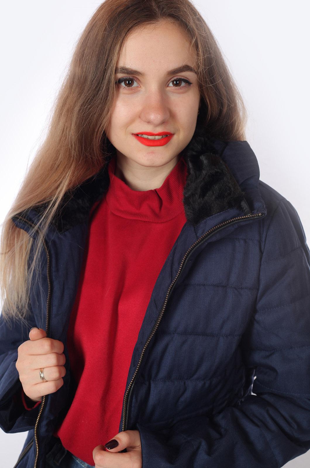 Женская куртка с высоким воротником от Orsay (Германия).