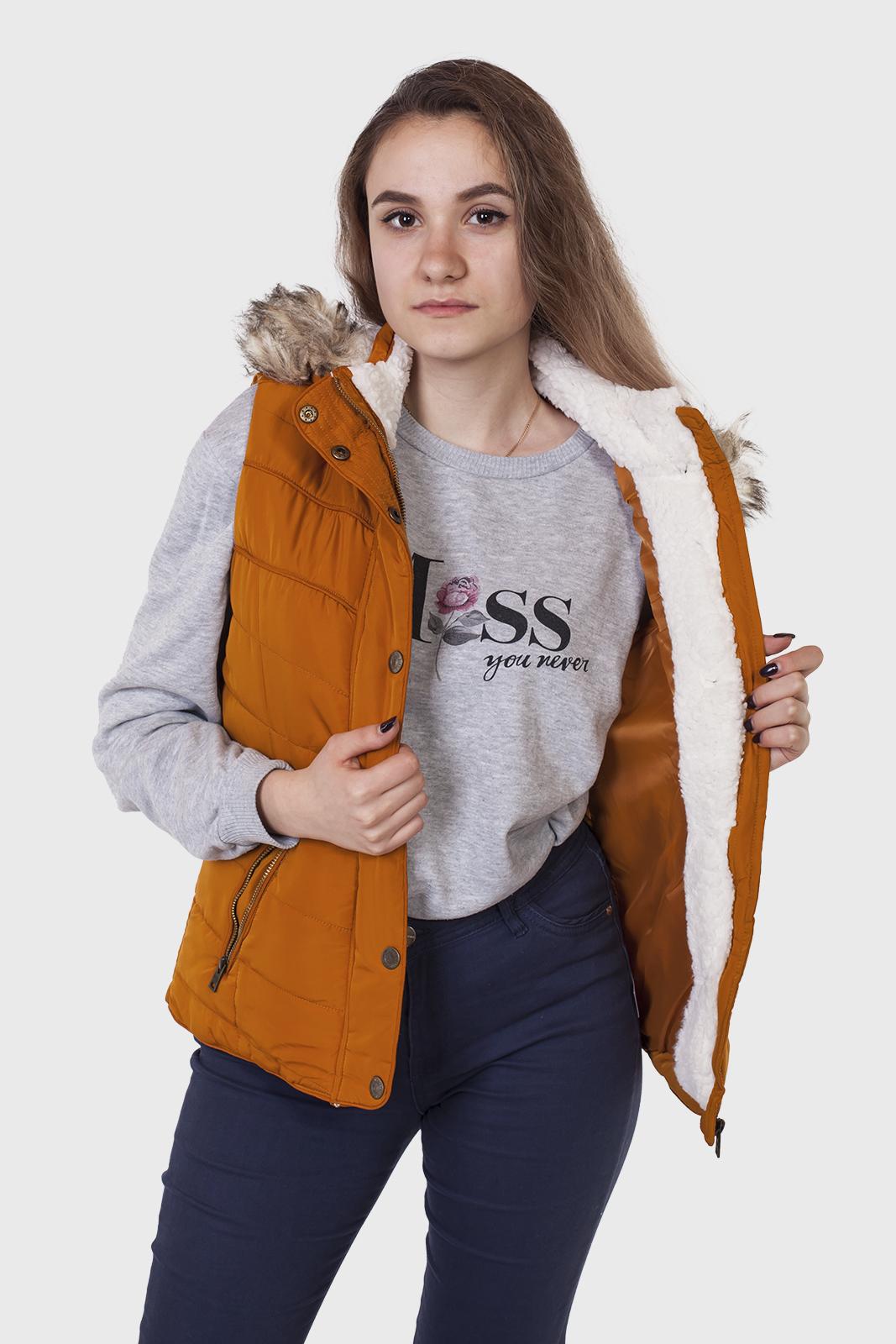 Женская куртка-жилет от Aeropostale (США) с удобной доставкой