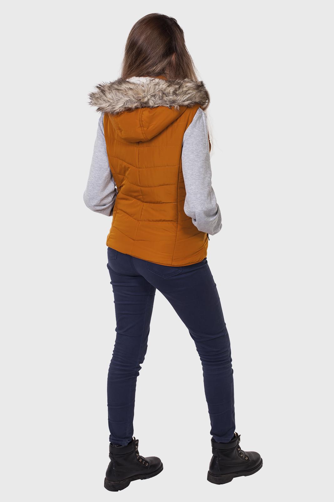 Женская куртка-жилет от Aeropostale (США) - трендовая молодежная модель