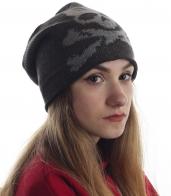 Женская шапка с черепом