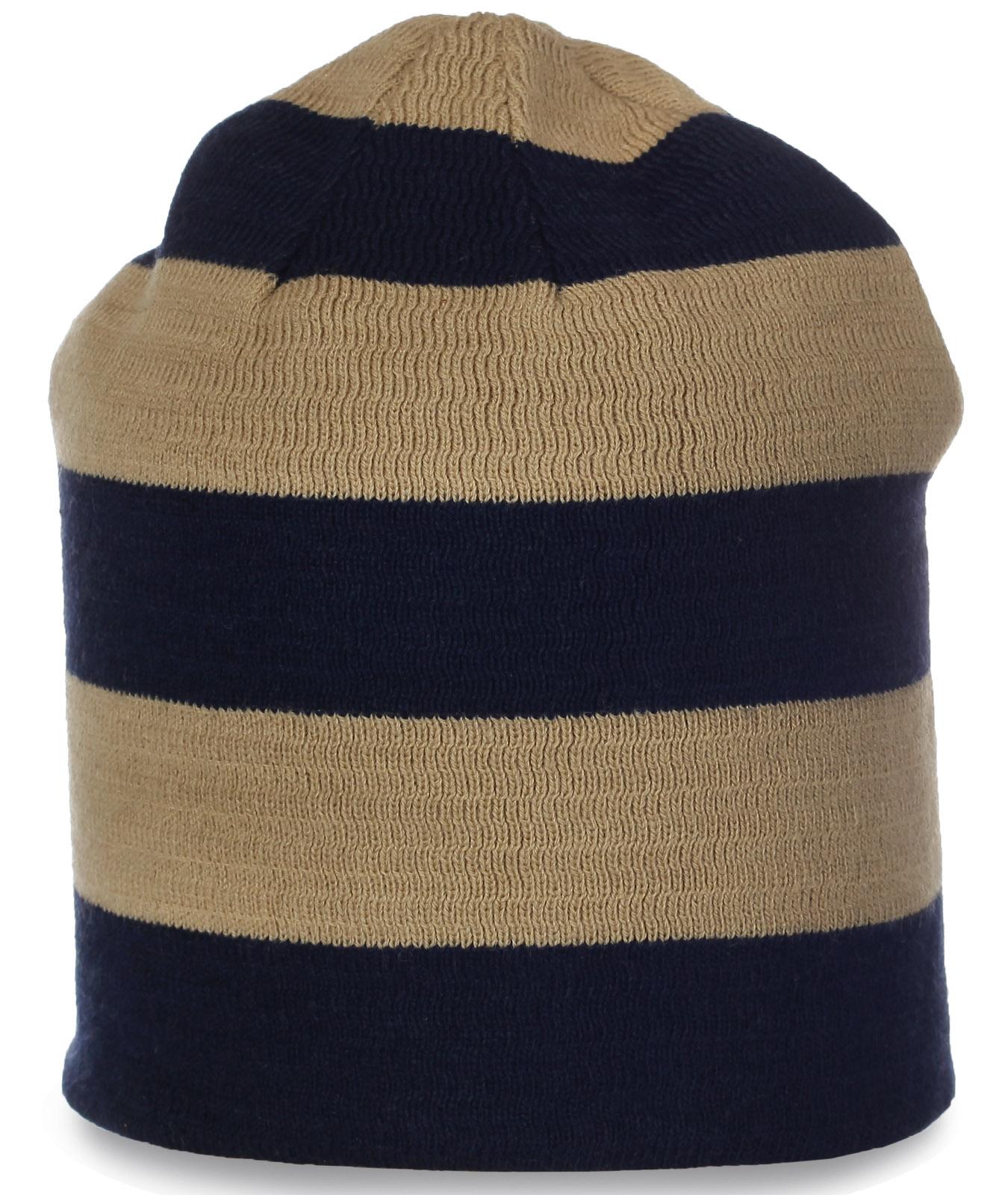 Женская шапка в полоску. Современная модель для спорта и не только. Качественный головной убор для любой погоды