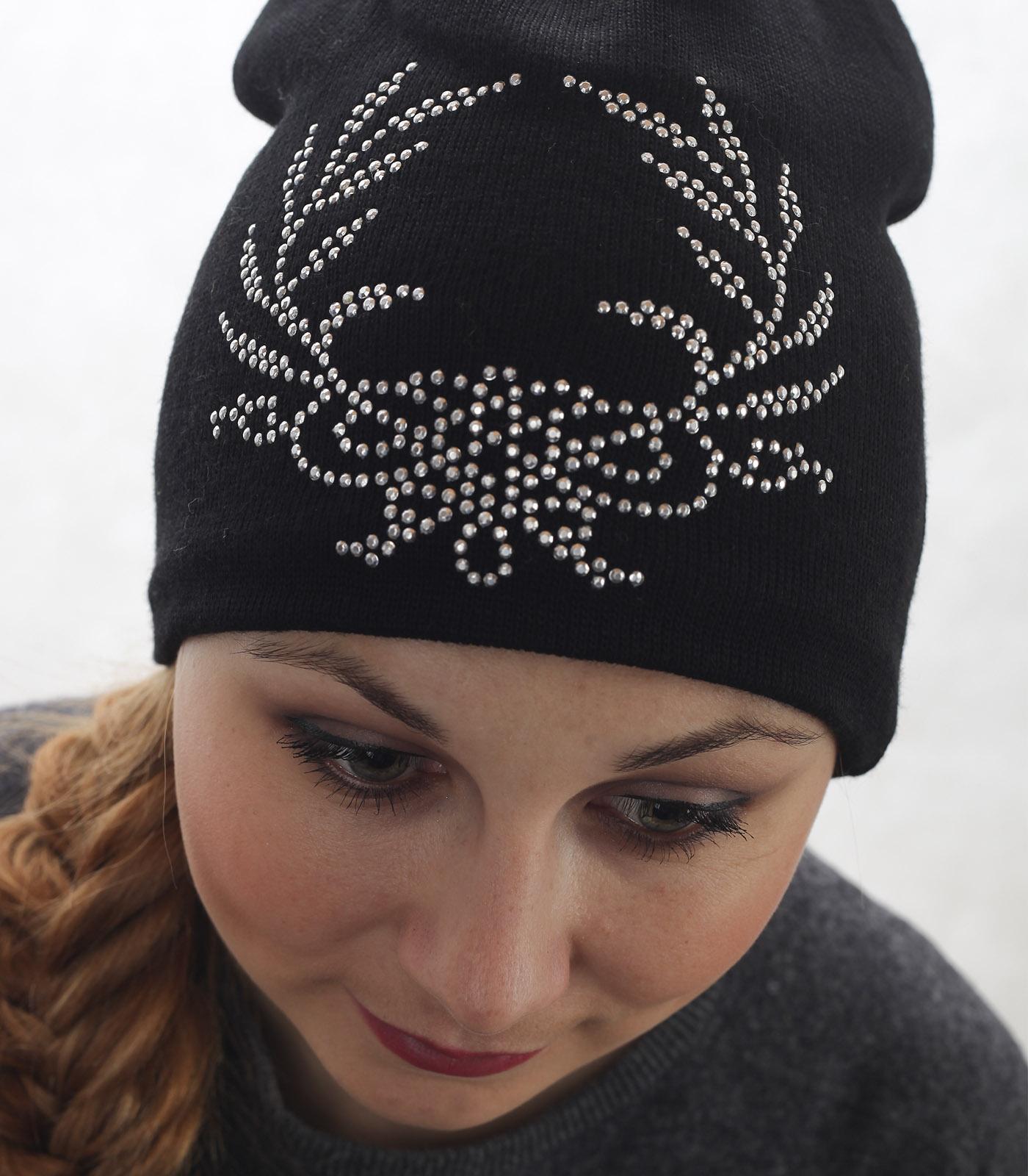 Черная молодежная шапка – модный дизайн, низкая цена