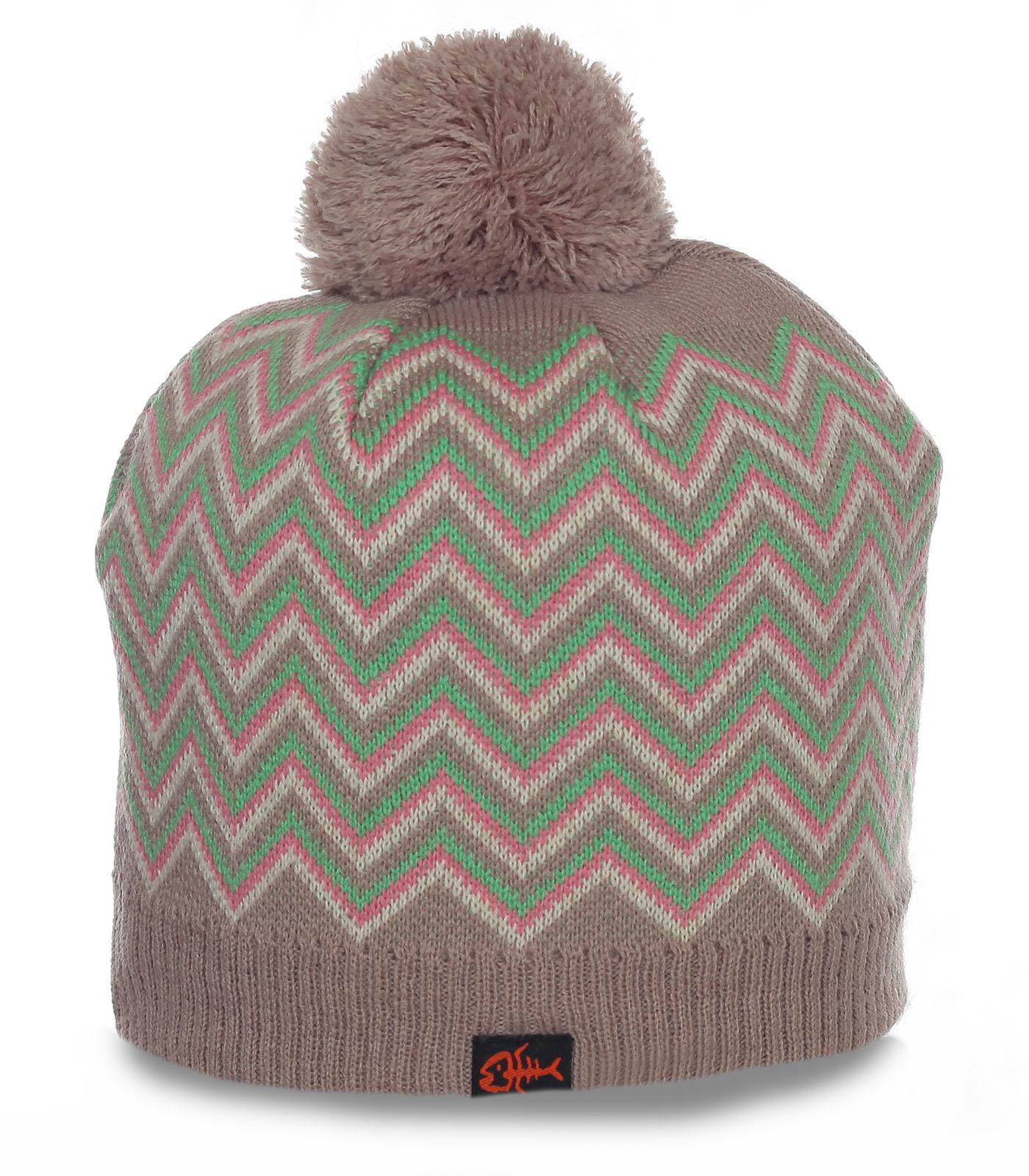 Женская теплая и уютная шапка великолепного дизайна очаровательным красоткам