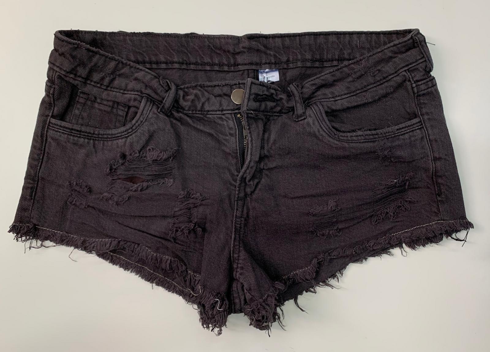 Женские джинсовые короткие шортики
