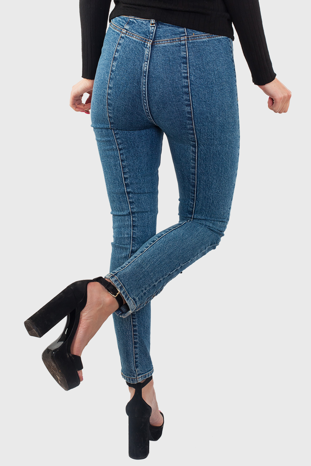 Женские джинсы со шнуровкой от Los Angeles Atelier с удобной доставкой