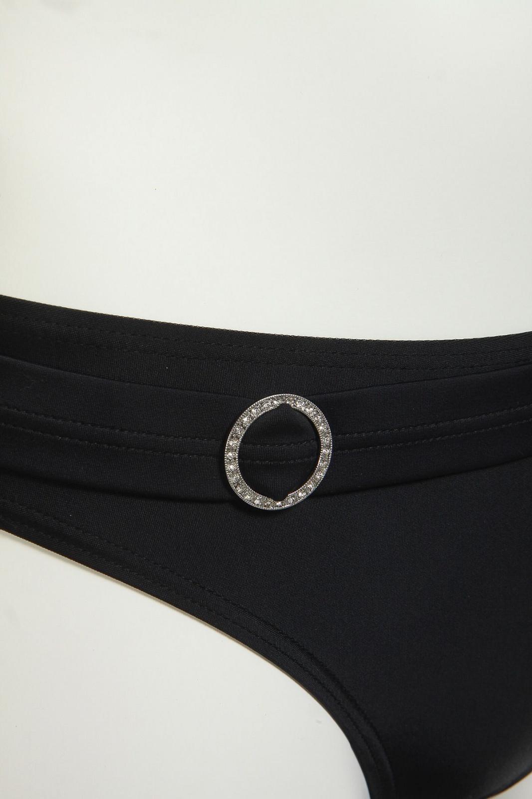Женский купальник черного цвета - плавки