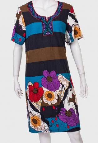 Купить женственное платье с крупным цветочным принтом от Claire France