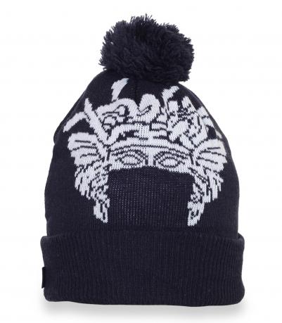 Зимняя шапка с оригинальным рисунком