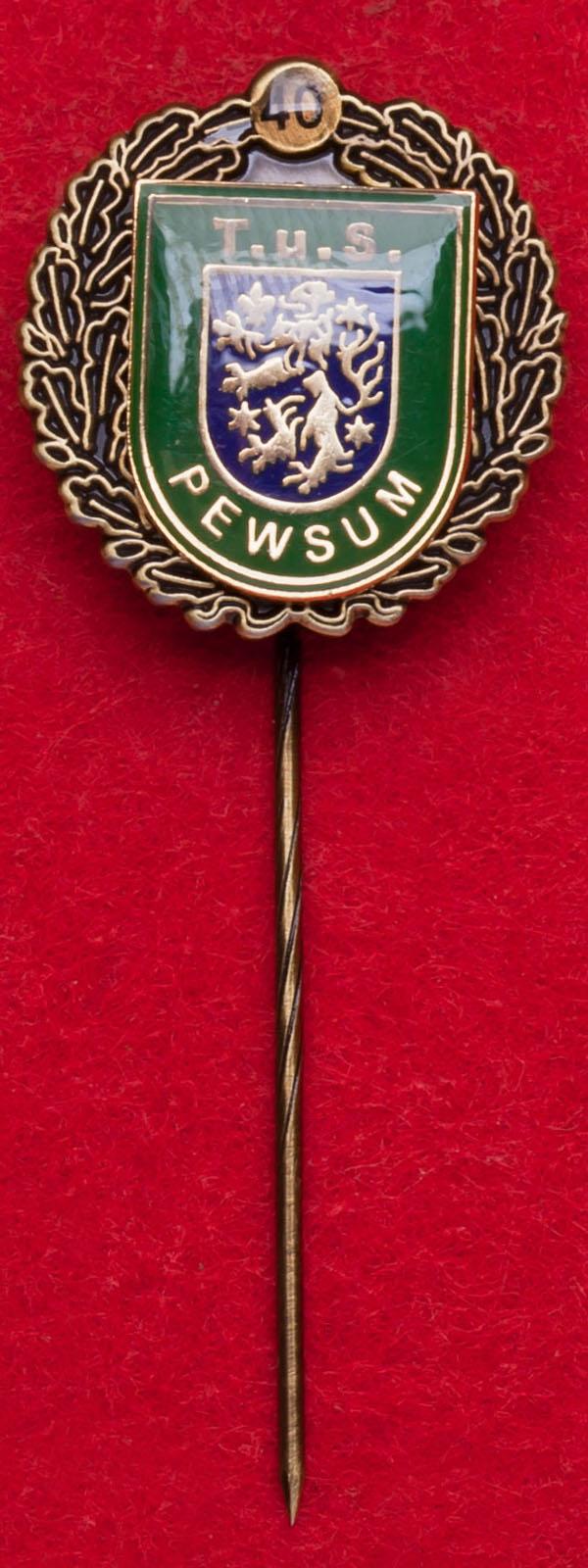 "Значок ""40 лет спортивному клубу T.u.S. Pewsum"", Германия"