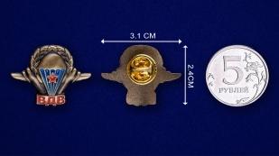 """Значок """"Эмблема ВДВ""""-сравнительный размер"""