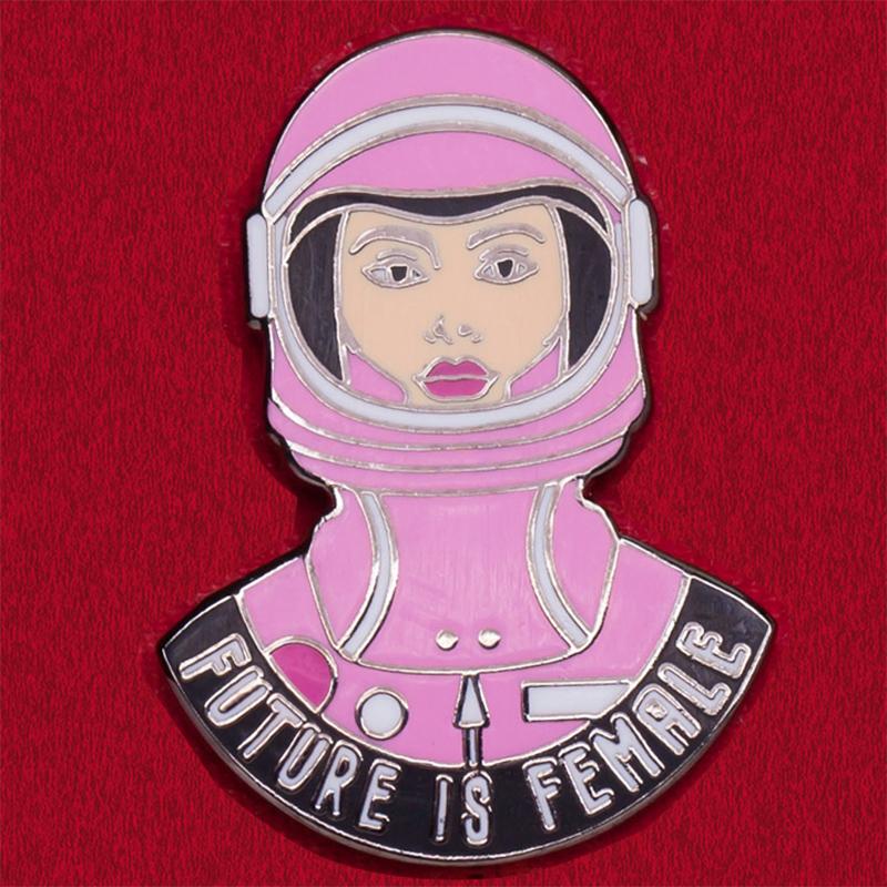 """Значок феминисток """"Будущее за женщинами"""""""