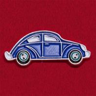 Значок из автомобильной коллекции с винтажной моделью Volkswagen Beetle