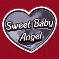 """Значок """"Сладкий ангелочек"""" в виде черного сердечка"""