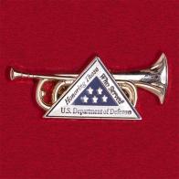 """Значок Министерства обороны США для ветеранов армии """"В честь служивших"""""""