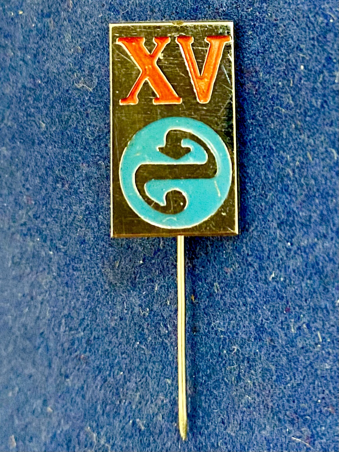 Значок на иголке памятный с музыкальной символикой