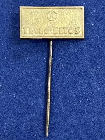 Значок на иголке Tesla Eltos