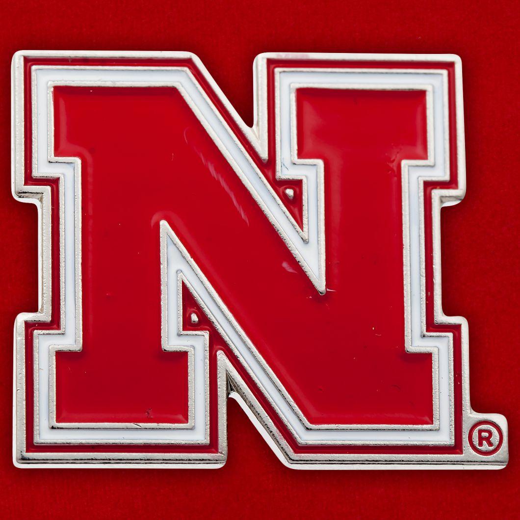 Значок Национальной ассоциации студенческого спорта США