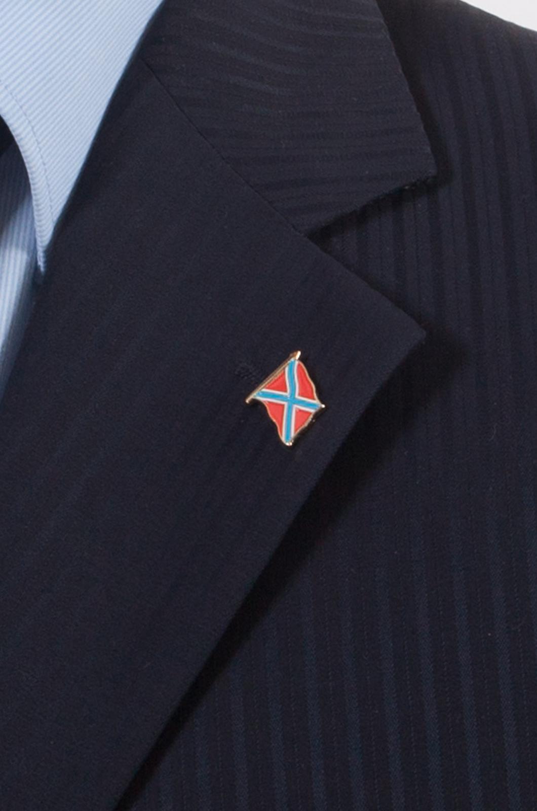 """Значок """"Боевой флаг Новороссии"""" - вид на пиджаке"""