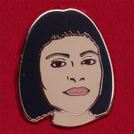Значок основательницы бренда Nasty Gal Софии Аморузо