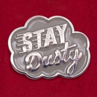 """Значок от Iron & Resin для свободных духом любителей моторов """"Оставайся пыльным!"""""""