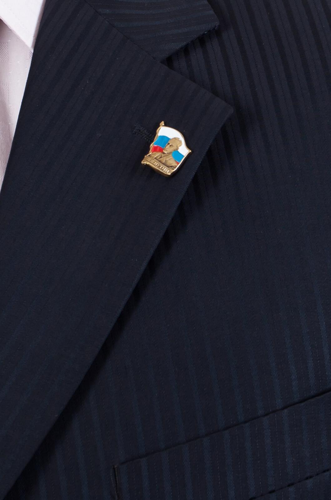 Фрачник с Путиным-вид на примере увеличенный размер