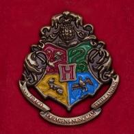 """Значок с гербом школы Хогвартс для фанатов """"Гарри Поттер"""""""