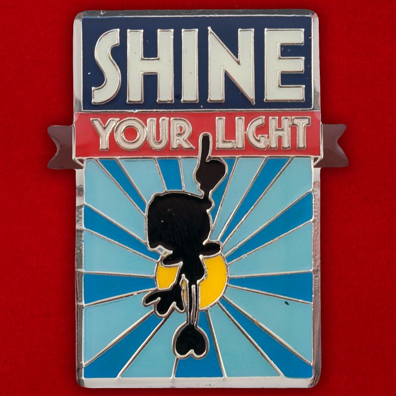 "Значок ""Shine Your Light"""