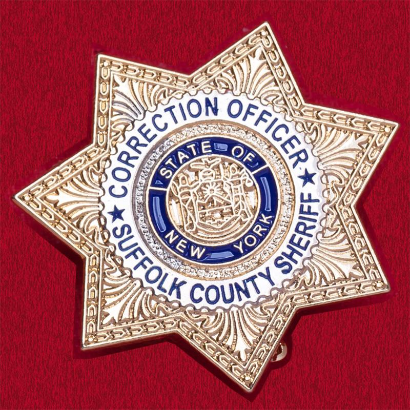 Значок сотрудника исправительных учреждений округа Саффолк, США