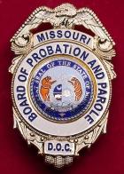"""Нагрудный знак """"Совет по условно-досрочному освобождению от отбывания наказания"""" штата Миссури, США"""