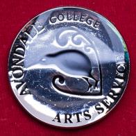 Значок средней школы Avondale College в Окленде, Новая Зеландия